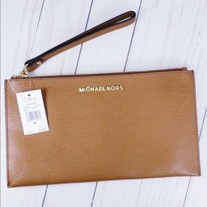 Michael Kors Large Zip Clutch Wristlet Luggage